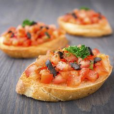 Aperitivos leves para festas - / Light appetizers for parties - Light Appetizers, Appetizers For Party, Party Snacks, Clean Eating Snacks, Food Hacks, Love Food, Brunch, Food And Drink, Cooking Recipes