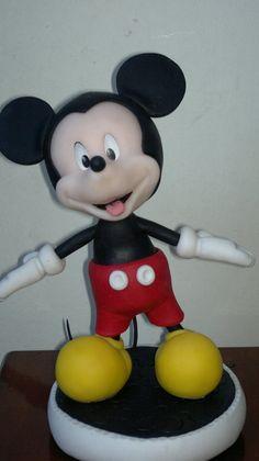 mickey en porcelana fria