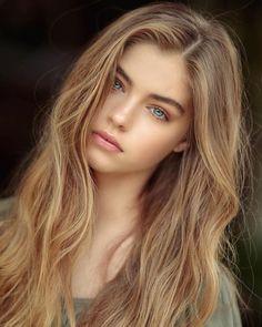 Jade Weber, The Most Beautiful Girl, Beautiful Eyes, Girl Fashion, Red Heads, Celebrity, Ladies Fashion, Pretty Eyes, Gorgeous Eyes