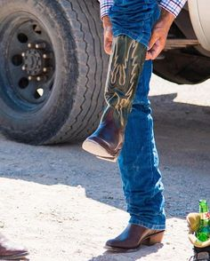 Custom Cowboy Boots, Cowboy Shoes, Cowgirl Boots, Western Boots, Cowboy Western, Lucchese Boots Mens, Bald Men Style, Urban Cowboy, Cool Boots