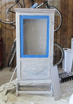 Step by step furniture painting for beginners {The Creativity Exchange}