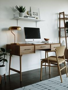 Gorgeous Traditional Small Home Office Design Ideas For You To Have Gor.- Gorgeous Traditional Small Home Office Design Ideas For You To Have Gorgeous Traditional Small Home Office Design Ideas For You To Have Home Office Furniture, Mid Century Modern House, Interior, Feminine Home Offices, Home Decor, Modern Interior Design, Office Interior Design, Interior Design, Office Design
