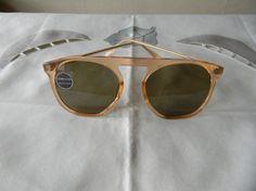 Hey, ho trovato questa fantastica inserzione di Etsy su https://www.etsy.com/it/listing/235214303/vintage-rarepanto-quadra-p3-sunglasses