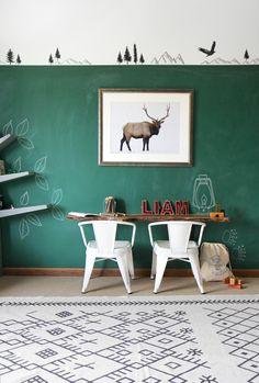 » I SPY DIY DESIGN   Boy's Room Makeover + DIY Live Edge Desk