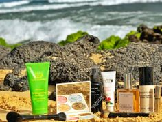 """African Botanics Pure Marula Oil in skincare must-haves! """"Spring is officially here… What what! This season it's all about pastels and for skincare; breathable skin is a must. Organic Beauty, Organic Skin Care, Destin Beach, Beach Babe, Vanity Fair, Pastels, Cruelty Free, Cleanser, Skincare"""