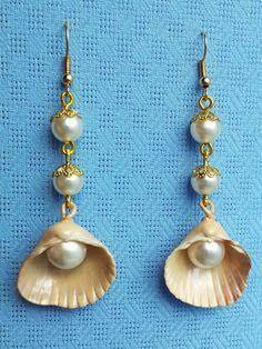 Resultado de imagem para украшения из ракушек Sea Shells, Drop Earrings, Jewelry, Diy Kid Jewelry, Jewlery, Jewels, Conchas De Mar, Jewerly, Jewelery