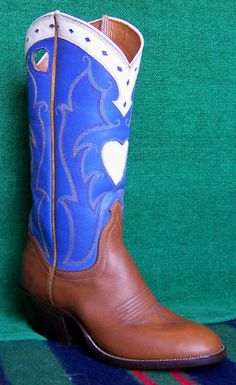 Cowboy/Cowgirl  Point Collar/  Heart
