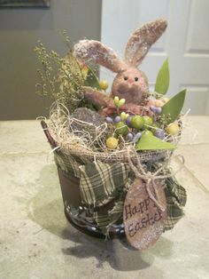 PRIMITIVE EASTER BUNNY SWEET ANNE BERRIES,LEAFS HAND PAINTED BUCKET DECORATION