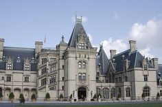 Biltmore in the Morning, Asheville North Carolina I've actually been there. Beautiful!