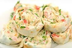 Rolls of pita and crab sticks Low Carb Breakfast Easy, Breakfast Recipes, Breakfast Tortilla, Kids Packed Lunch, Crab Stick, Cheese Wrap, Good Food, Yummy Food, Wrap Recipes
