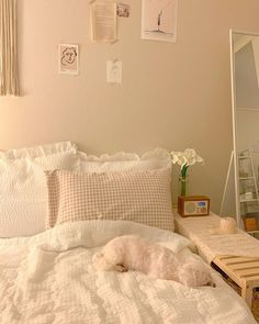 13 simply perfect contemporary bedroom designs for your pleasure 2 Cute Room Ideas, Aesthetic Room Decor, Minimalist Room, Pretty Room, Cozy Room, Fashion Room, Dream Rooms, Contemporary Bedroom, My New Room