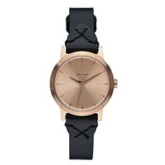 #OutfitOfTheDay #Manythings Consider yourself an it-girl Then this Kenzi watch by #Nixon has your name all over it Its stainless steel 26MM case creates a perfec...
