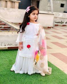 Baby Girl Dress Design, Girls Frock Design, Kids Frocks Design, Baby Frocks Designs, Girls Dresses Sewing, Stylish Dresses For Girls, Frocks For Girls, Dresses Kids Girl, Baby Dresses
