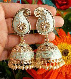 Indian Jewelry Earrings, Fancy Jewellery, Jewelry Design Earrings, Indian Wedding Jewelry, Ear Jewelry, Stylish Jewelry, Bridal Jewelry, Diamond Jewellery
