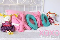 "Craftaholics Anonymous® | XOXO pillow pattern. Gift someone an ""I Love You"" with this diy project!"
