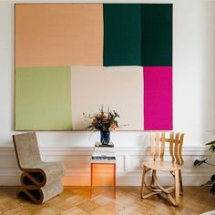 Yasmina Sawiris (@min.terior) • Instagram-billeder og -videoer Plexiglass Table, Tulip Table, Framed Tv, Brooklyn Apartment, Vintage Table, Architectural Digest, Wall Sculptures, Decoration, Contemporary Design