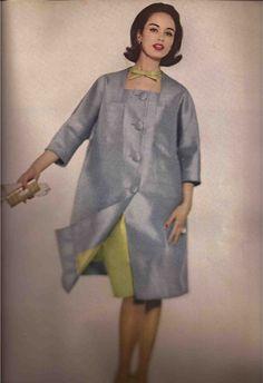Vogue (May, Model Sondra Peterson Sixties Fashion, 60 Fashion, Colorful Fashion, Fashion History, Retro Fashion, Fashion Design, Fashion Fall, Moda Retro, Vintage Glamour