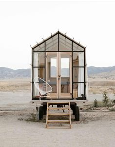 The coolest tiny house ever seen!The coolest tiny house ever seen! Coolest seen tinyOpen Concept Rustic Modern Tiny House [Plans + Sources] Modern Tiny House, Tiny House Living, Tiny House Design, Tiny Beach House, Beach Houses, Furniture Catalog, Home Decor Furniture, Cottage Furniture, Exterior Design