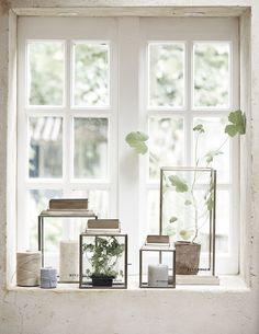 Trendy home decoratie vensterbank Ideas Window Seal Decor, Window Ledge Decor, Window Sill, Style At Home, Modern Candles, Window Styles, Trendy Home, Window Design, Interiores Design