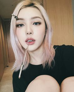 Pony park hye min make up 😄😍😍 Korean Make Up, Korean Girl, Asian Girl, Pastel Hair, Pink Hair, Blonde Hair, Pony Makeup, Hair Makeup, Korean Beauty