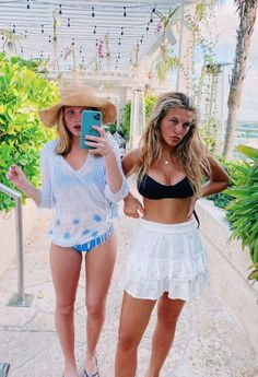 See more of sophiecart's content on VSCO. Cute Preppy Outfits, Summer Outfits, Preppy Clothes, Stylish Outfits, Summer Dresses, Best Friend Photos, Friend Pictures, Friend Pics, Friend Goals