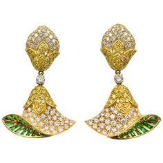 Intense Yellow and White Diamond gold belle flower Earrings with emerald, white and yellow diamonds, circa 1980s