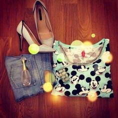Sporty chic   / scarpe #Zara , jeans Benetton , maglia e collana #H&M /