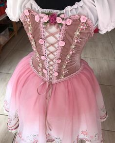 Ballet Costumes, Dance Costumes, Cosplay Costumes, Long Tutu, Cute Dresses, Formal Dresses, Ballet Shoes, Ideias Fashion, Pencil Art