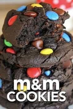 These M&M cookies are so easy and SO delicious! Love this from-scratch recipe. These M&M cookies are so easy and SO delicious! Love this from-scratch recipe. Brownie Desserts, Mini Desserts, Easy Desserts, Plated Desserts, Easy Delicious Desserts, M&m Cookie Recipe, Cookie Recipes, Dessert Recipes, M&m Recipe