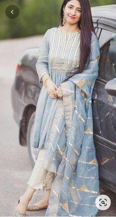 Stylish Dress Designs, Stylish Dresses, Casual Dresses, Fashion Dresses, Simple Dresses, Fashion Clothes, Casual Wear, Formal Dresses, Muslim Fashion