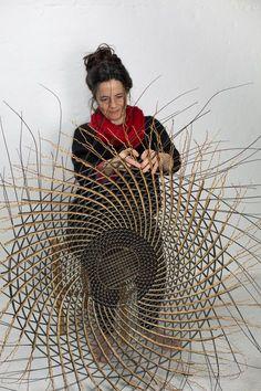 Ideas Basket Weaving Patterns Fiber Art For 2019 Flax Weaving, Willow Weaving, Weaving Art, Image Beautiful, Contemporary Baskets, Basket Weaving Patterns, Art Du Monde, Afrique Art, Basket Lighting