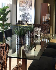Da Rocha Interiors: Sophisticated Dining Rooms with Oversized Tables - SA Decor & Design Believe, Elegant Dinner Party, Dining Table, Dining Rooms, Your Space, Decorative Accessories, You Got This, Interiors, Seasons