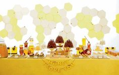 love love love the honeycomb backdrop!  and look-- there's our beehive cake!