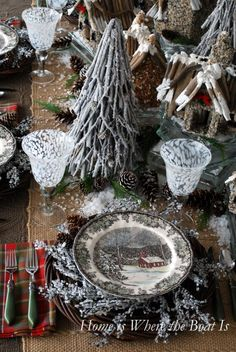 A Friendly & Snowy Village for your dining table Rustic Christmas, Christmas Home, Christmas Wreaths, Christmas Crafts, Christmas Decorations, Christmas Ideas, Christmas Centerpieces, Christmas Dishes, Plaid Christmas
