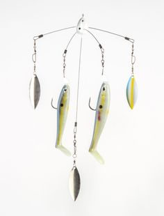 For a feeding bass, more is always better; hence, the umbrella rig's appeal. No doubt many manufactured rigs will produce right out of the package, but savvy anglers have come up with a variety of new rigging options to match on-the-water conditions. Here's a handful of specialty tweaks. THE MAXIMIZER ▶ ANGLER: Mark Rose, Marion, AR HOW IT'S RIGGED: Starting with a Strike King Tour Grade Titanium Umbrella Rig, add willow-leaf blades to two or three of the arms (depending on local…