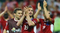 Petr Jiráček (autor del único gol del encuentro) y compañía agradecen a su afición el apoyo, han logrado llegar a cuartos de final como el mejor equipo del grupo A. Además, en este último encuentro dejaron fuera a Polonia, uno de los anfitriones de esta EURO 2012.
