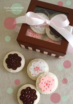 Cute gift idea! Play cookies in a sweet box all tied up with a bow.
