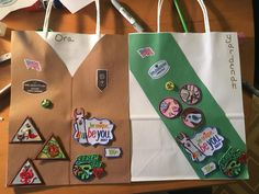 Inventive Ways to Display Girl Scout Badges and Patches Girl Scout Uniform, Girl Scout Patches, Girl Scout Leader, Girl Scout Troop, Cub Scouts, Girl Scout Brownie Badges, Brownie Girl Scouts, Girl Scout Cookies, Junior Girl Scout Badges