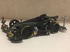 J-CUP2015バージョンのアバンテをマッドブラックに塗装しました。 完全フルカーボン仕様です。
