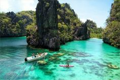 Snorkeling in Palawan