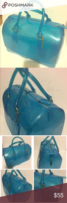 💎jelly bag💎 Jelly bag light blue color💎 very good condition no dust / no trade/ 💯clean welcome offer /final sale 💎thank for the like🙏🏼 for book cosmetic iphone etc. no Bags Cosmetic Bags & Cases