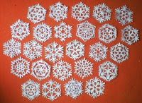 Tutorial: how to make paper snowflakes!