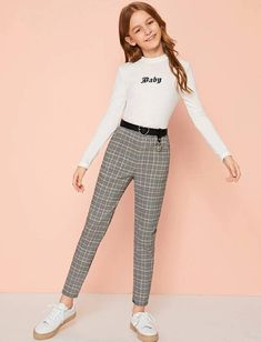 Teen Girl Outfits, Girly Outfits, Outfits For Teens, Chic Outfits, Trendy Outfits, Korean Outfits, Girls Sports Clothes, Girls Fashion Clothes, Tween Fashion
