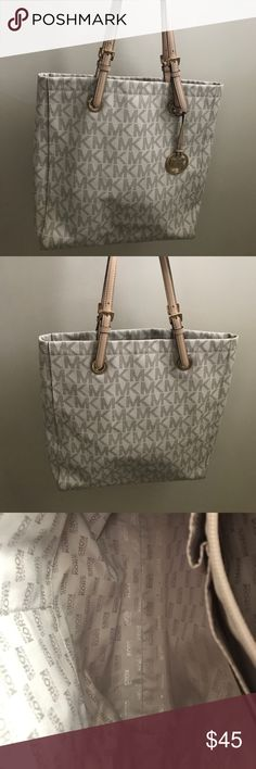 608497eb969f Michael Kors shoulder bag Authentic Michael Kors shoulder bag with cleaner  and rain stain repellant