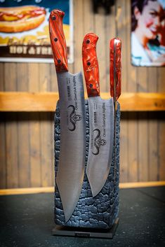 Giesser PremiumCut – Messer Made in Germany Best Kitchen Knife Set, Best Kitchen Knives, Kitchen Cutlery, Cool Knives, Knives And Swords, Magnetic Knife Holder, Hand Forged Knife, Knife Patterns, Butcher Knife