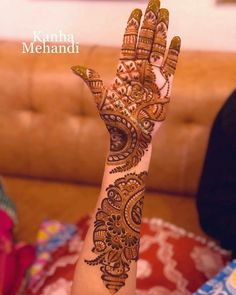 Beautiful and Easy Mehndi Designs For Eid You Must Try Full Mehndi Designs, Mehndi Designs Feet, Khafif Mehndi Design, Floral Henna Designs, Latest Arabic Mehndi Designs, Henna Art Designs, Mehndi Designs For Girls, Mehndi Designs For Beginners, Stylish Mehndi Designs