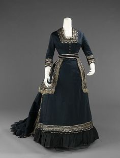 """The Metropolitan Museum of Art recently announced a breathtaking new exhibit, """"Death Becomes Her: A Century of Mourning Attire"""" This dress from 1872 - 1874 is part of the exhibit. (Posted on Dangerous Minds)"""
