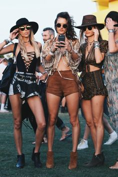 Edc Outfit Ideas Gallery what to wear to edc and coachella outfit ideas women of edm Edc Outfit Ideas. Here is Edc Outfit Ideas Gallery for you. Edc Outfit Ideas pin on coachella festival outfits. Edc Outfit Ideas what to wear to edc a. Coachella 2016, Coachella Festival, Coachella Looks, Music Festival Outfits, Rave Festival, Festival Wear, Music Festivals, Concerts, Coachella Style