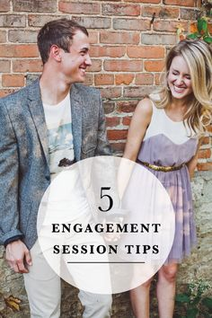 5 Easy Tips for Beautiful Engagement Photos! From picking the best light, location, and wardrobe, we have you covered. By: Artistrie Co. @ashleybiess
