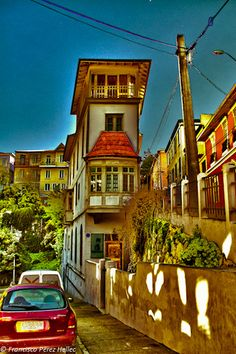 Valparaiso Chile Foto Iman, Travel Box, Chili, Bolivia, Beautiful Places, Bow Windows, Mansions, Architecture, World